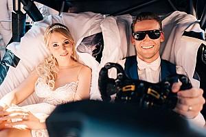 DTM Новость Гонщик Mercedes женился: свадебным экипажем стала машина DTM