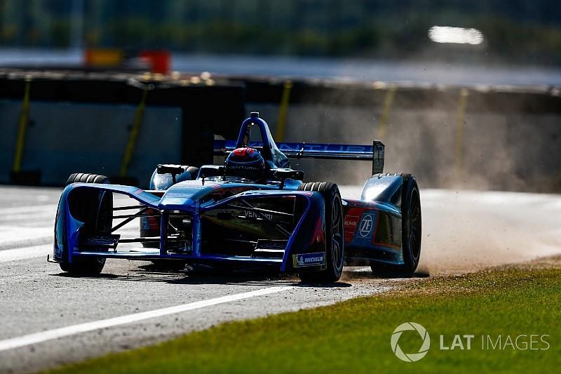 Участь у тестах Формули E гонщиків Mercedes - звичайний збіг