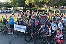 Für Nicky Hayden: Jimmie Johnson organisiert 69-Meilen-Radtour