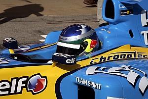 Формула 1 Топ список Галерея: Сайнс-старший за кермом Renault Ф1