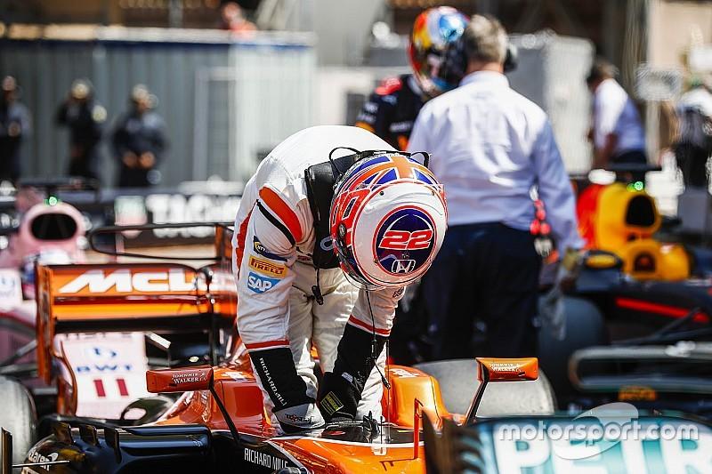 Баттону дали штраф в три позиции на старте следующей гонки