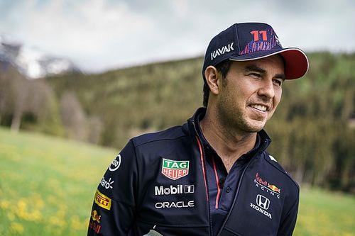 Sergio Pérez espera que no se alargue mucho la renovación con Red Bull