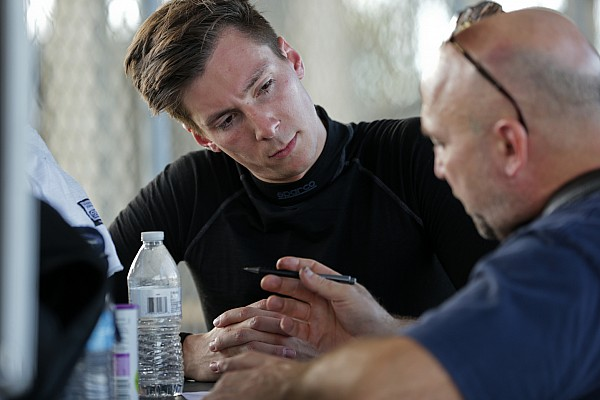 Alex Lynn, 2018/19 WEC sezonu için Aston Martin'e katıldı
