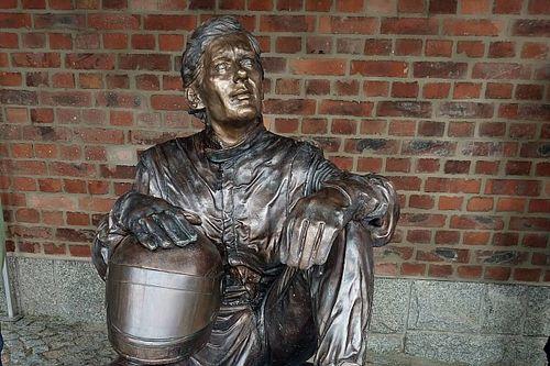Pomnik Ayrtona Senny w Wałbrzychu