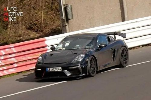 Porsche 718 Cayman GT4 RS, il video spia dal Nurburgring