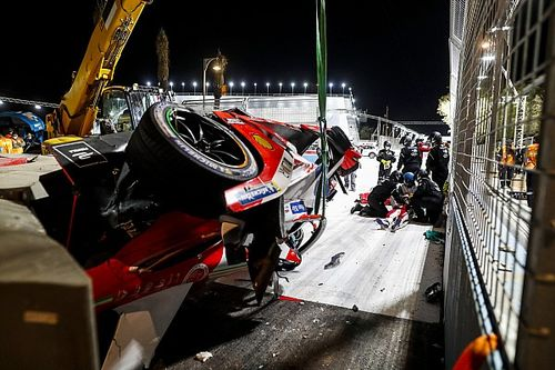 Vídeo y fotos: el aparatoso accidente de Fórmula E en Diriyah