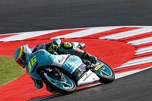 Moto3 Noticias VIDEO: Joan Mir evita caer de la moto espectacularmente
