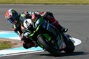 World Superbike Practice report WorldSBK Inggris: Rea belum tergoyahkan di FP3