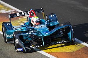 Formula E Reporte de pruebas Un accidente en la polémica chicane de Cheste protagoniza el último test de Fórmula E