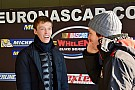 NASCAR Euro Kvyat testa carro da Euro NASCAR na Itália