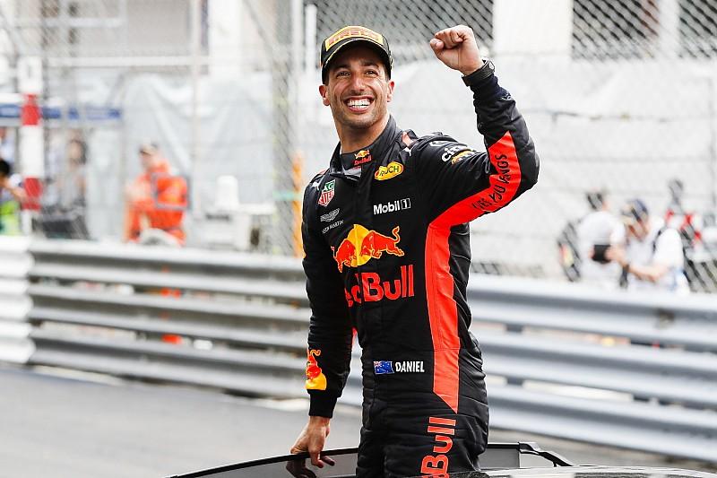 A világbajnok legenda szerint Ricciardónak a Ferrarihoz kellene mennie