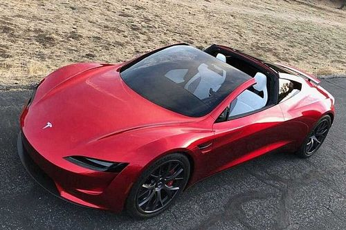 Le Tesla Roadster SpaceX écrase les voitures les plus rapides
