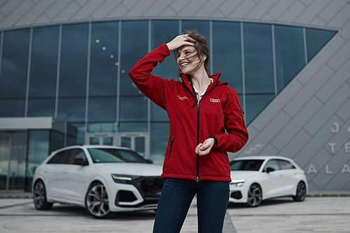A 19 éves Keszthelyi Vivien az Audi legújabb modelljeit tesztelte Zalaegerszegen