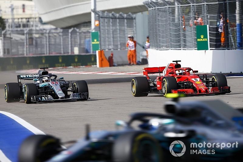 Az FIA tisztázta a versenyzőkkel, miért jár büntetés védekezés során