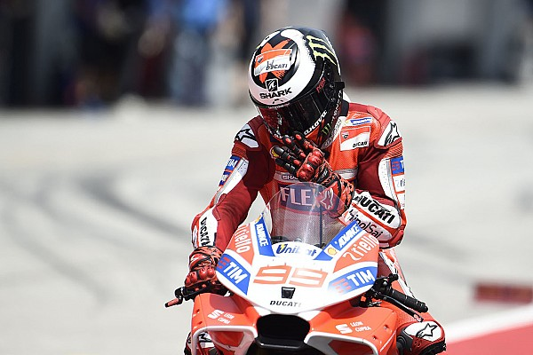 MotoGP Лоренсо заявил, что пропустил Довициозо к победе ненамеренно