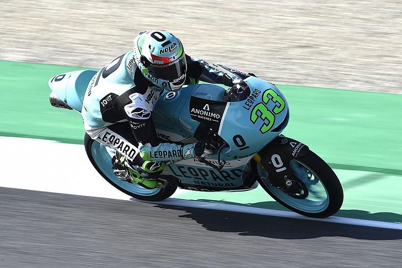 Enea Bastianini torna in pole position in Moto3 dopo un anno e mezzo a Barcellona!