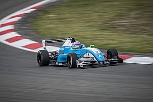 Formule Renault Actualités Max Defourny le plus rapide des essais au Nürburgring