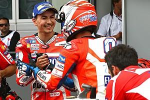 MotoGP BRÉKING Lorenzo segítene Dovinak, csak még nem most