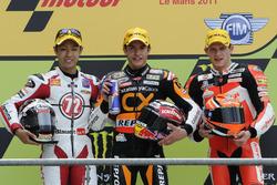 Podio: il secondo classificato Yuki Takahashi, il vincitore della gara Marc Marquez, il terzo classificato  Stefan Bradl