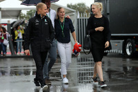 Valtteri Bottas, Mercedes AMG F1, his wife Emilia Pikkarainen