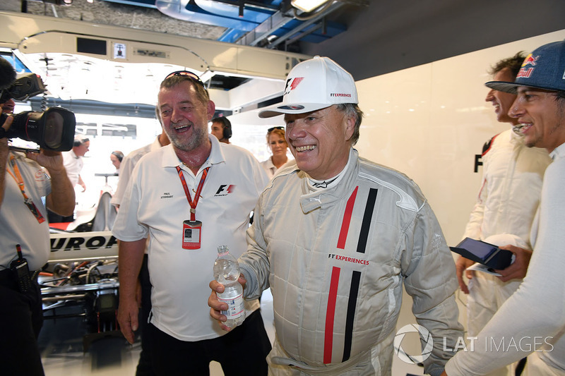 Paul Stoddart, F1 Experiences 2-Seater passenger Gene Haas F1 Team, Founder and Chairman, Haas F1 Team Team
