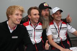 #2 Porsche Team Porsche 919 Hybrid: Тімо Бернхард, Ерл Бембер, Брендон Хартлі з Магнусом Волкером