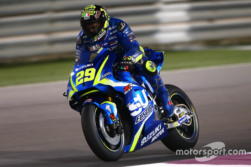 IAndrea Iannone, Team Suzuki MotoGP with Aerodynamic wing Suzuki fairing