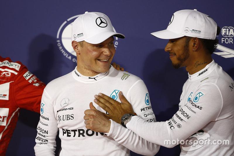 Valtteri Bottas surpreendeu e superou Lewis Hamilton no Q3, assegurando assim sua primeira pole na carreira.
