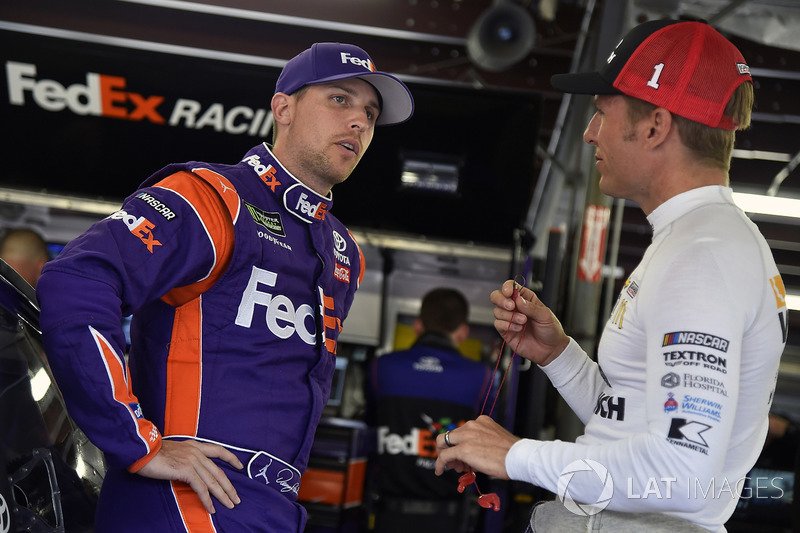 Denny Hamlin, Joe Gibbs Racing Toyota, Jamie McMurray, Chip Ganassi Racing Chevrolet