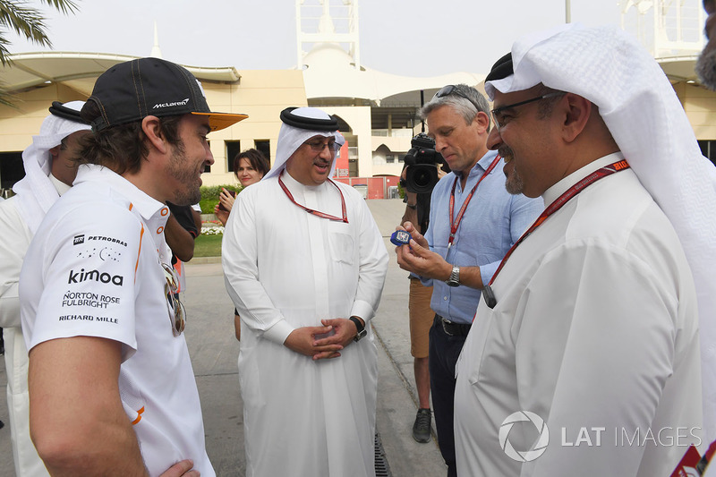 Fernando Alonso, McLaren, Sheikh Mohammed bin Essa Al Khalifa, CEO of the Bahrain Economic Development Board and McLaren Shareholder and Crown Prince Shaikh Salman bin Hamad Al Khalifa