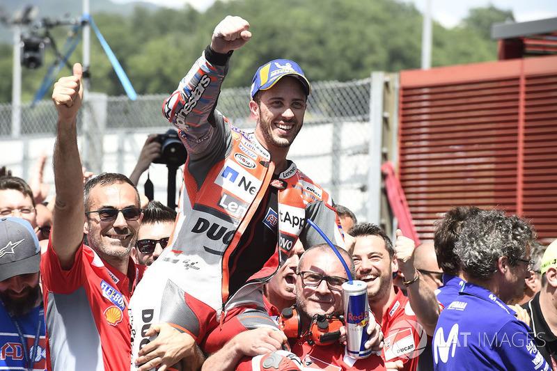 Andrea Dovizioso ficou em segundo, configurando a dobradinha da Ducati.