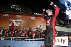 Winner Cole Custer, Stewart-Haas Racing Ford