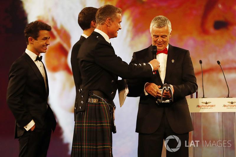 Gregor Grant Award : Derek Warwick