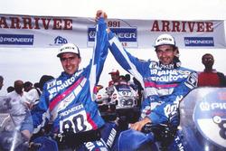 Le vainqueur Stéphane Peterhansel, Yamaha, et le deuxième Thierry Magnaldi, Yamaha