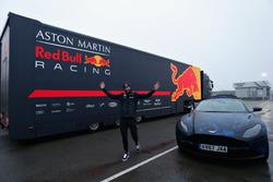 Daniel Ricciardo, Red Bull Racing con un Aston Martin DB11