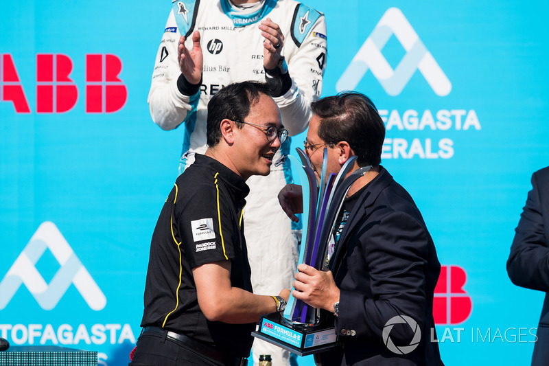 A team member from TECHEETAH, accepting the constructors trophy