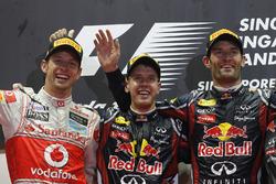 Podio: il vincitore Sebastian Vettel, Red Bull Racing, il secondo classificato Jenson Button, McLaren, il terzo classificato Mark Webber, Red Bull Racing