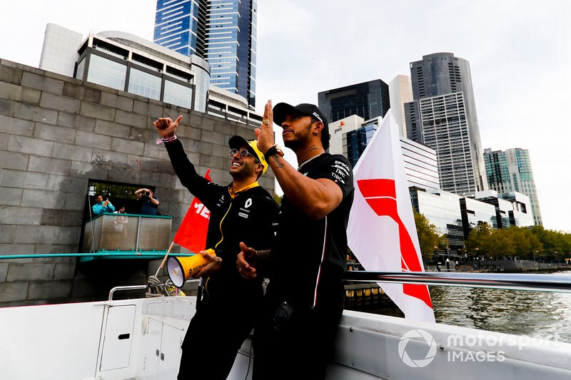 Daniel Ricciardo, Renault and Lewis Hamilton, Mercedes AMG F1 on the way to the Federation Square event