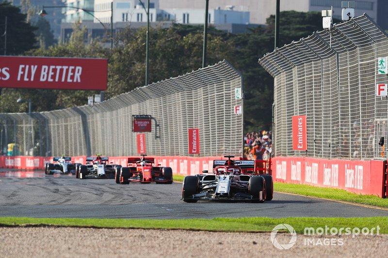 Kimi Raikkonen, Alfa Romeo Racing C38, Sebastian Vettel, Ferrari SF90, Antonio Giovinazzi, Alfa Romeo Racing C38