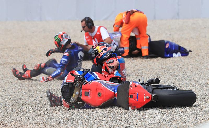 Stefan Bradl, HRC Honda Team (3 kecelakaan)