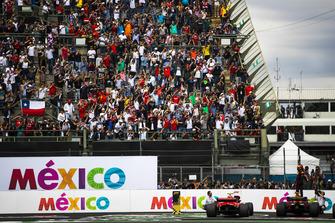 Победитель Макс Ферстаппен, Red Bull Racing RB14