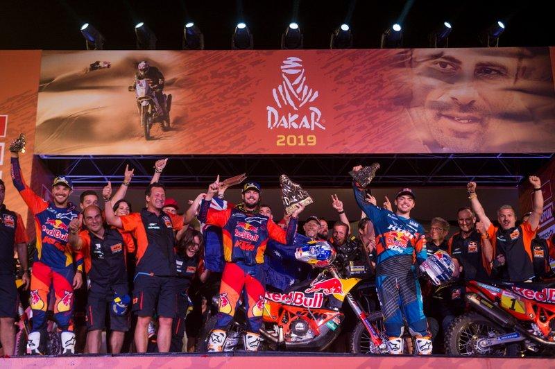 Podio: #3 Red Bull KTM Factory Racing KTM: Toby Price con el equipo