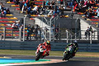 Chaz Davies, Aruba.it Racing-Ducati SBK Team, Toprak Razgatlioglu, Kawasaki Puccetti Racing