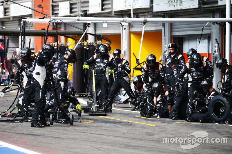 Sahara Force India F1 Team fa un pit stop