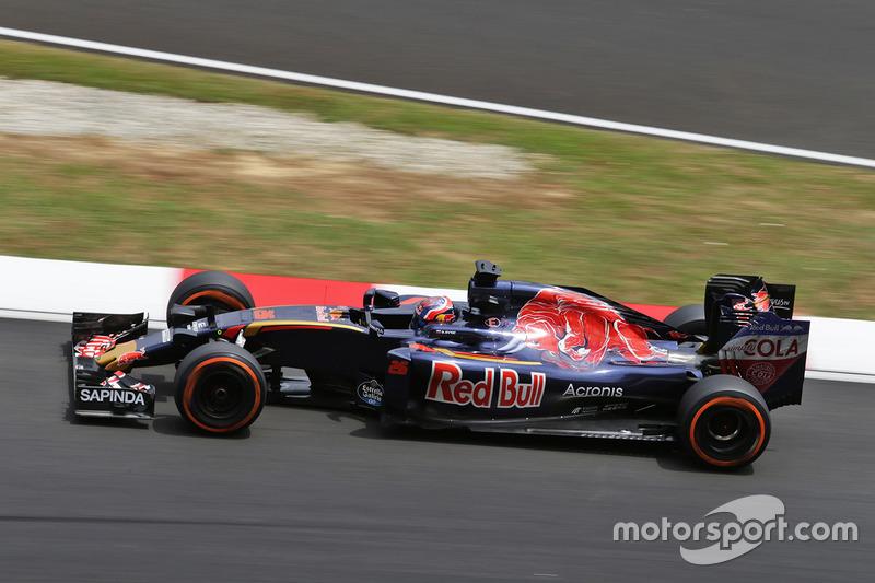 15: Данііл Квят, Scuderia Toro Rosso STR11