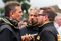 Mario Isola, Pirelli Racing Manager (Left) with Paul Hembery, Pirelli Motorsport Director (Right)