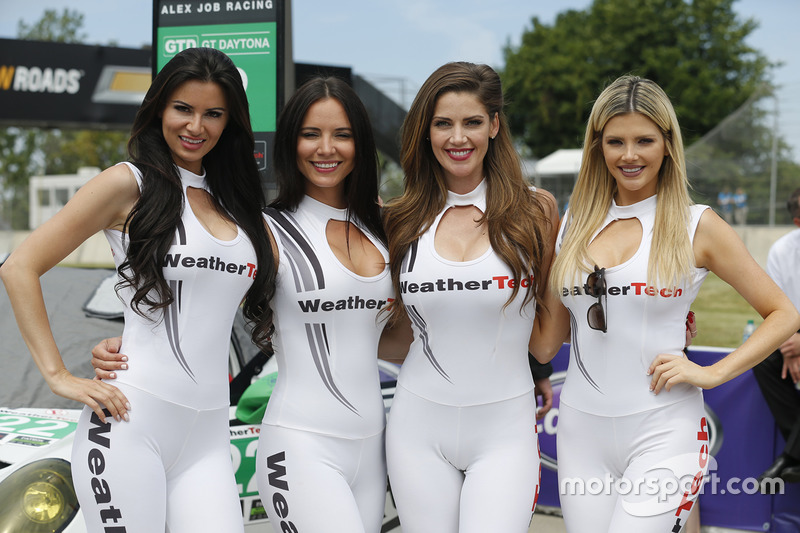 lovely weathertech girls at detroit