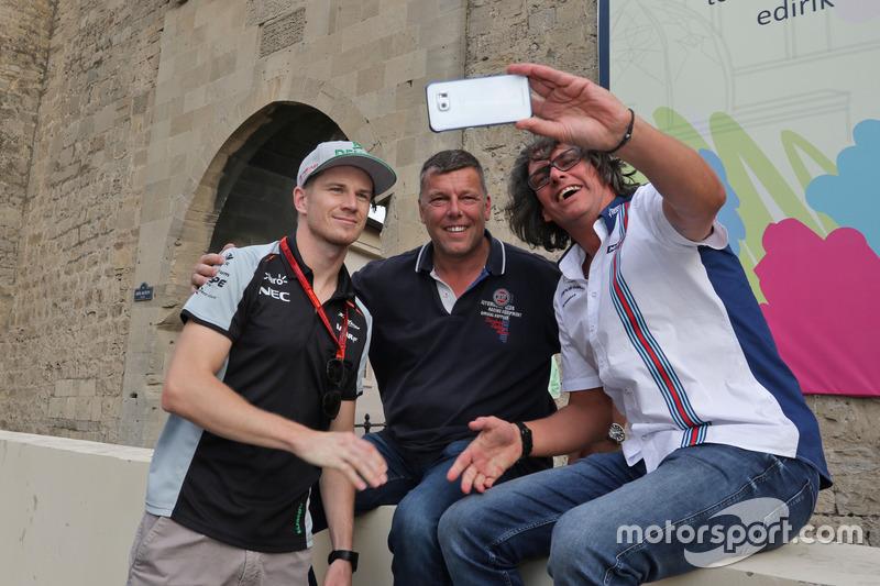 Ніко Хюлькенберг, Sahara Force India F1 з уболівальниками на треку