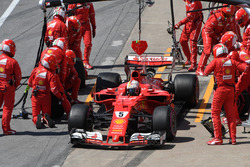 Sebastian Vettel, Ferrari SF70H pit stop