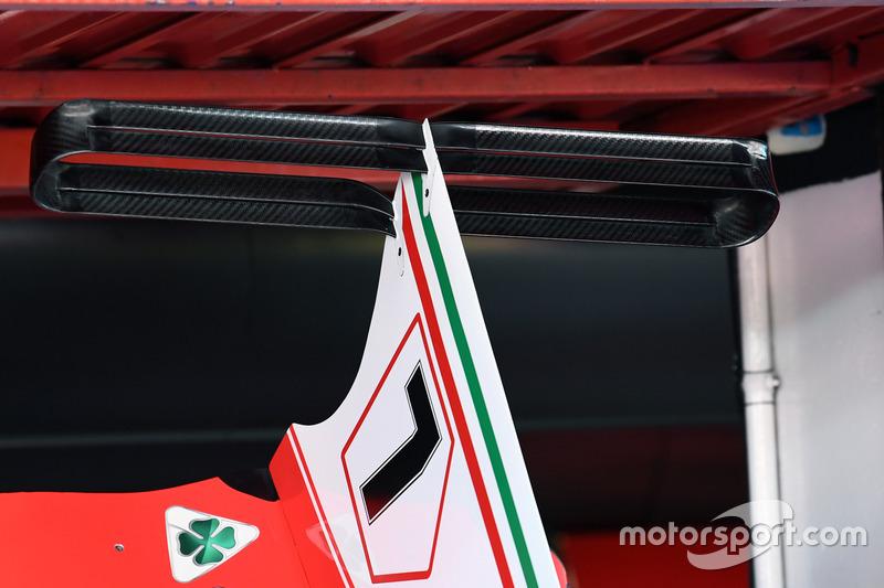 Т-образное антикрыло Ferrari SF70H